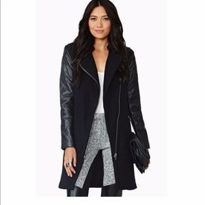 BB Dakota Melinda black Coat signs of wear.